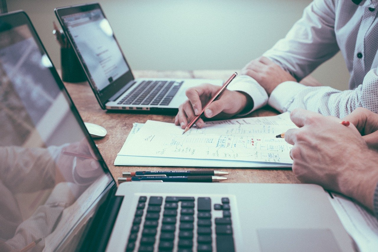 5 wskazówek, jak skutecznie rozwijać sprzedaż B2B.