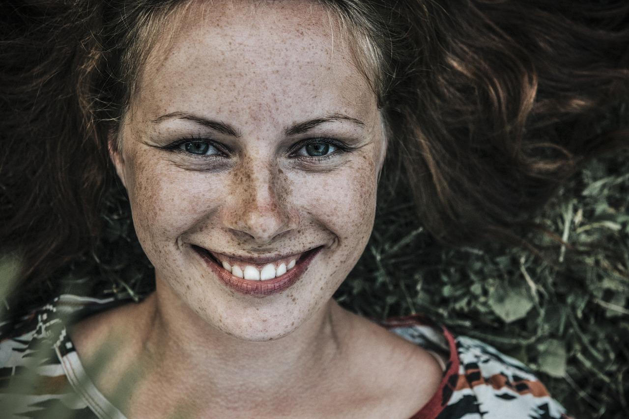 Piękny i olśniewający uśmiech